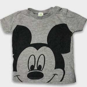 4/$20🥳 Disney Mickey Gray Short Sleeve Shirt